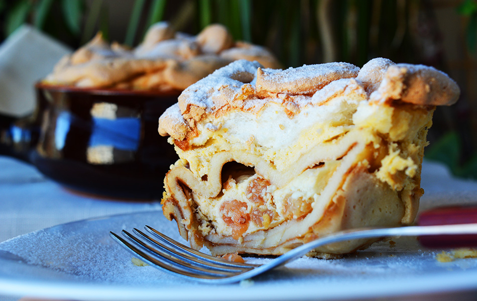 Romanian Delicious pancake rolls with sweet cheese and meringue - Banatene, Ana Lugojana
