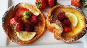 Dutch Baby Pancakes / Clatite la cuptor Dutch Baby