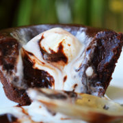 Lava cake cu inghetata deliciu