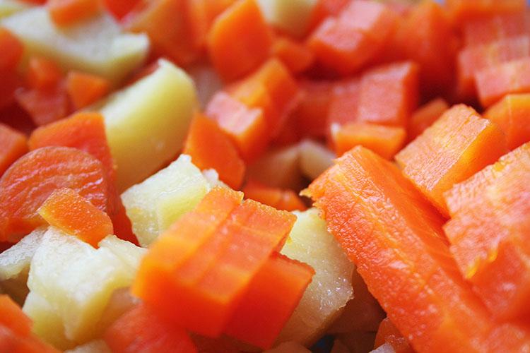 Salata de Boeuf _deliciu (101)