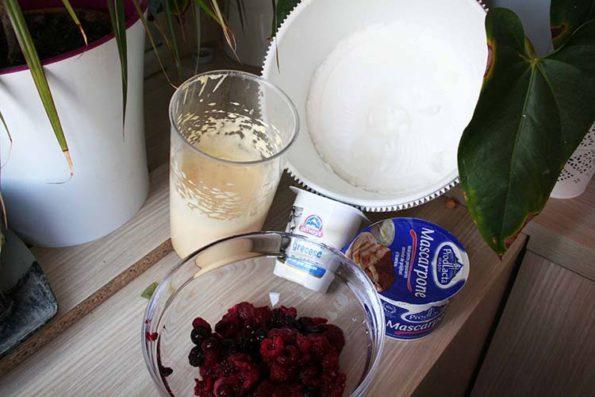 Tarta cu fructe de padure_Deliciu (23)