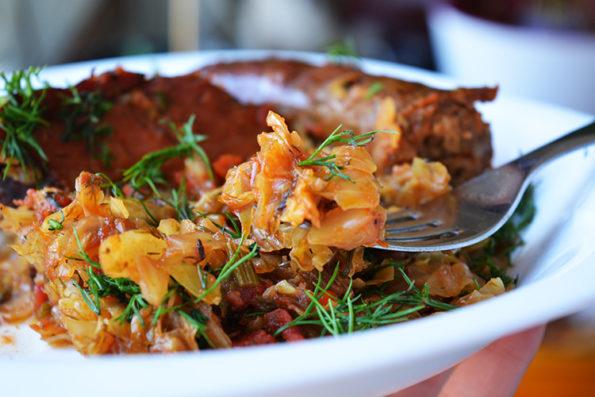 Varza Calita cu carnati si carne porc