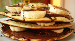 Pikelets Clatite australiene cu Nutella si banane