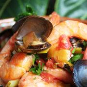 Tocanita de fructe de mare (scoici si creveti)