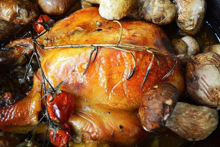 Bibilica la cuptor cu ciuperci – in vas roman