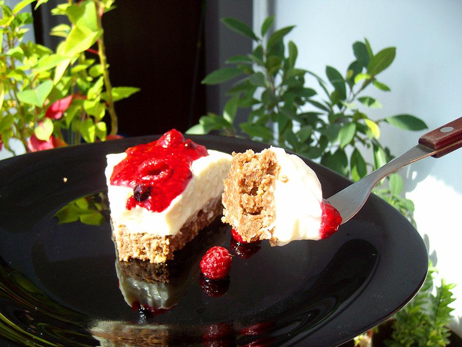 Cheesecake cu zmeura si crema de  mascarpone (fara coacere)