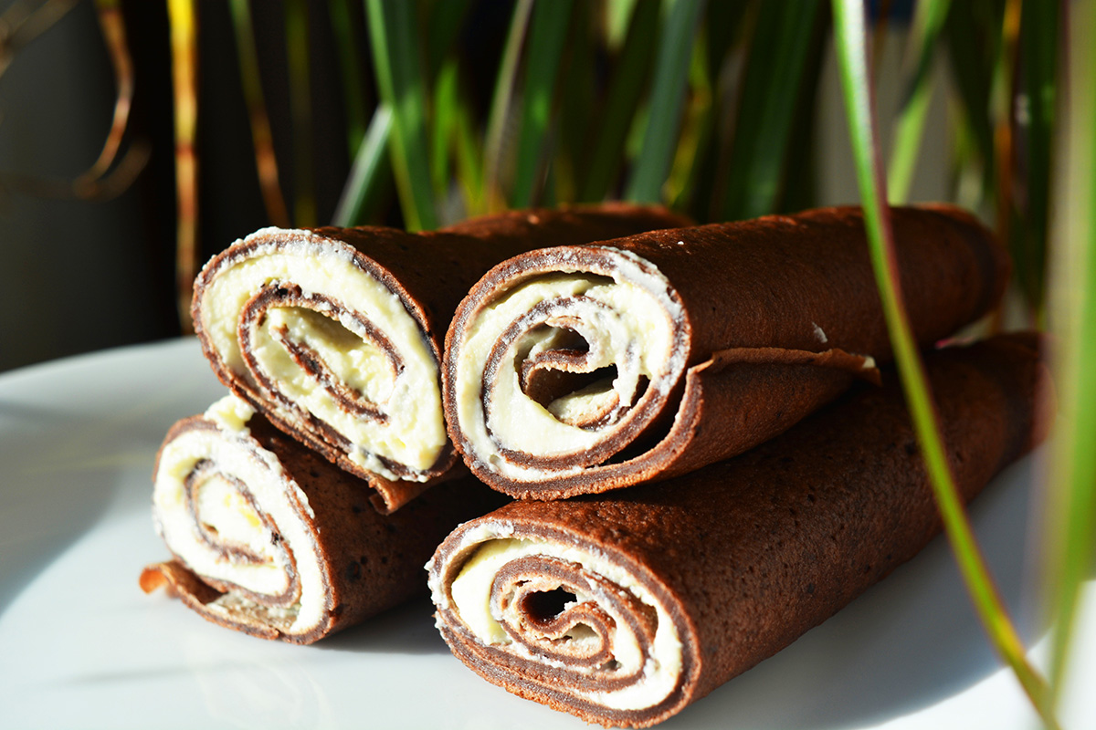 Clatite cu mascarpone (de cacao)