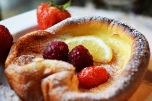 Dutch Baby Pancakes / Clatite la cuptor Dutch Baby