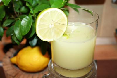 Limonada cu lime, menta si miere