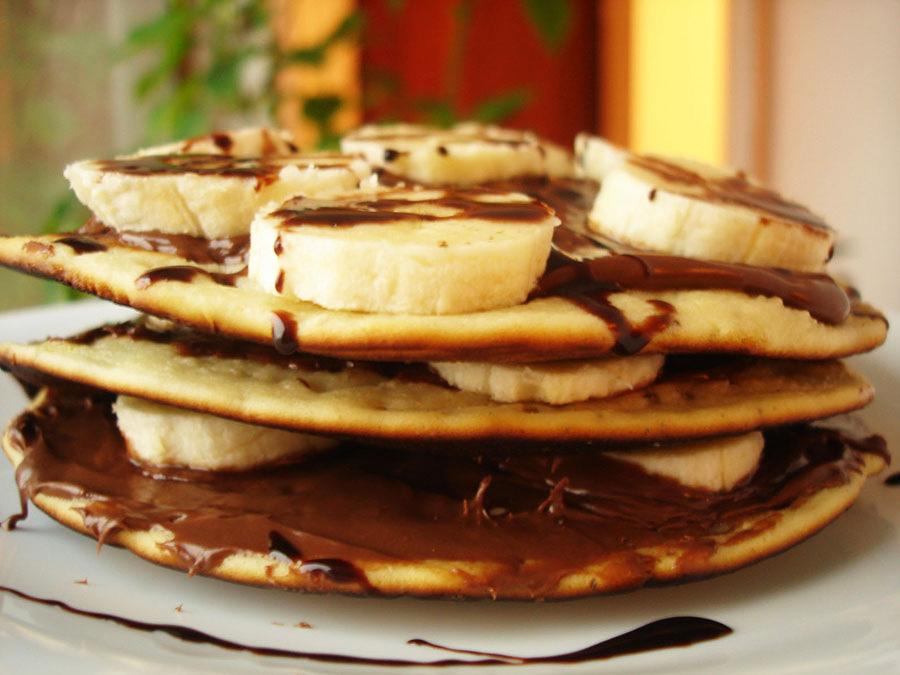 Pikelets – Clatite australiene cu Nutella si banane